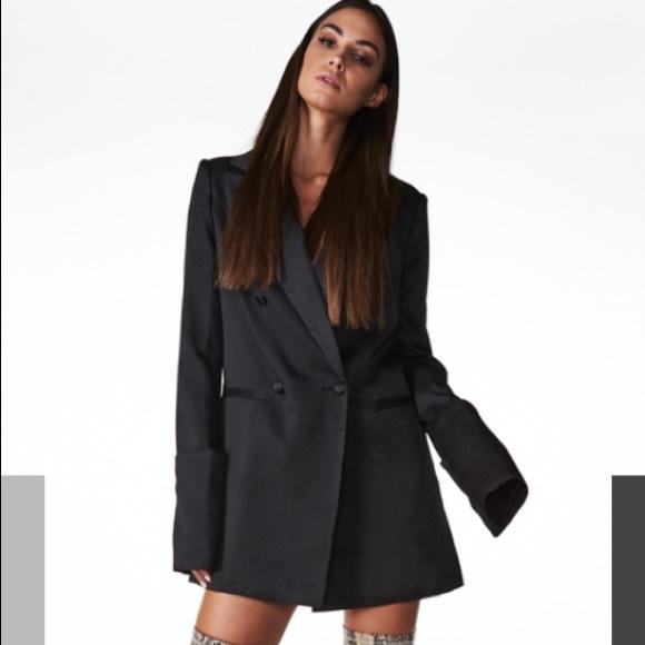 6b92f115420 Amazing long black blazer